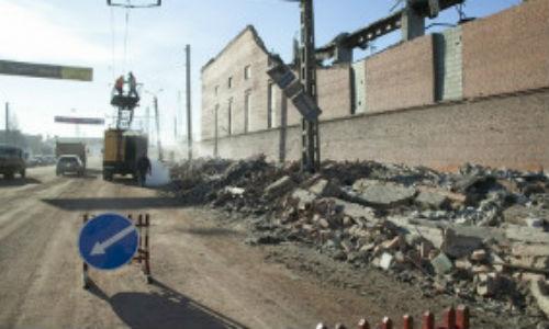 20.000 personas limpian los destrozos provocados por el meteorito