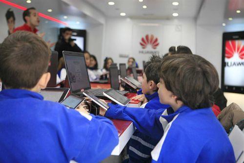 El 33% de los jóvenes será miope por el uso de la tecnología