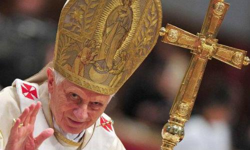La renuncia del Papa no aplaca la guerra interna