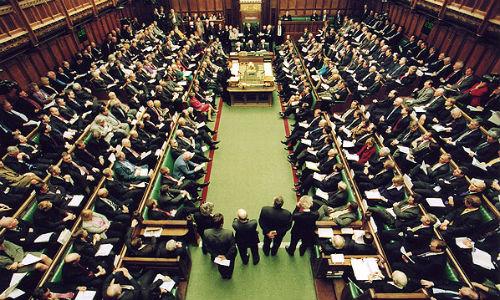 Cachondeo en el Parlamento británico por el inglés de Escocia