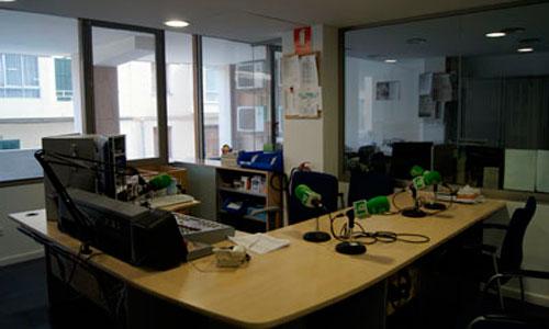 Se negocia para evitar el cierre de Radio Balear