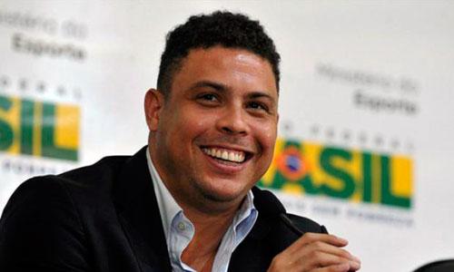 Fichan a Ronaldo como becario en una agencia de marketing