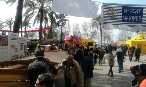 Buena afluencia de gente al 'Mercat tradicional'