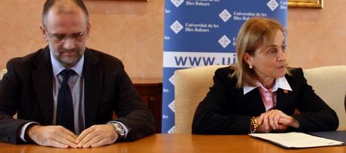"""La UIB evoca el """"prestigio intelectual"""" que le dio Montserrat Casas"""