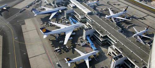 Bruselas propone limitar las indemnizaciones a pasajeros aéreos
