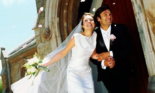España, a la cola de la UE en número de bodas