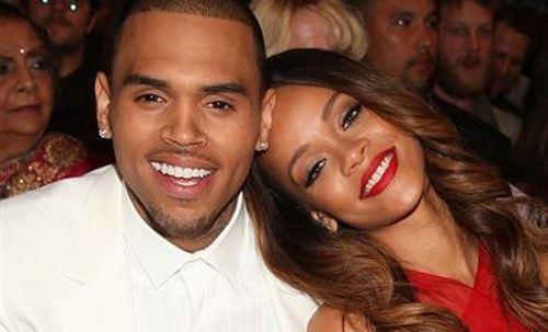 Chris Brown anuncia su ruptura con Rihanna