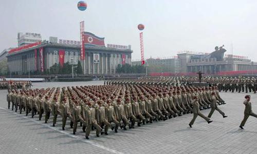 Corea del Norte emite una alerta de ataque aéreo