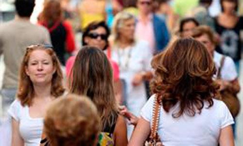 Los españoles en el extranjero ya rozan los dos millones