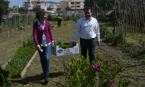 El Ayuntamiento dona a Caritas la producción del huerto municipal