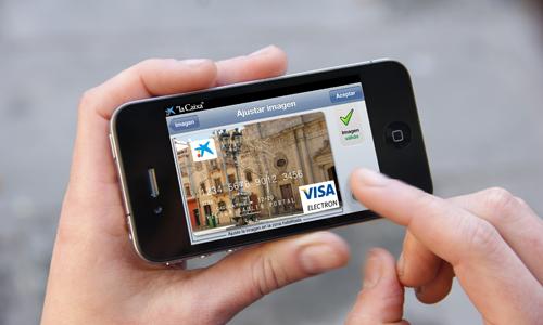 Más de 60.000 clientes de La Caixa usan el móvil para sus operaciones