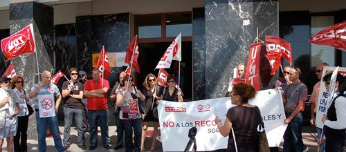 UGT denuncia al Govern por el despido de 600 empleados publicos