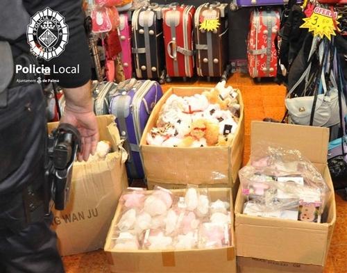 Macrooperación policial en Pere Garau contra el comercio ilegal chino