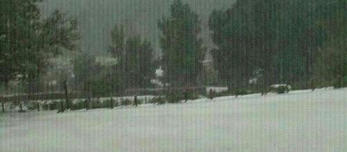 La nieve obliga a cerrar dos carreteras de la Serra