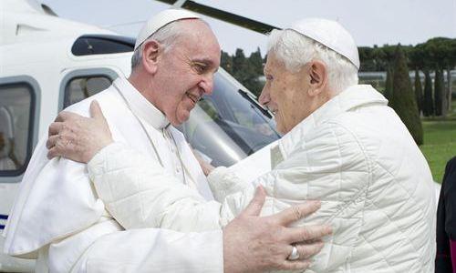 Primera imagen de los dos Papas