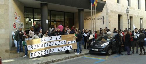 Manifestación de funcionarios contra la privatización del Registro Civil
