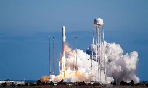 Lanzado con éxito un segundo modelo de cohete privado con destino a la ISS