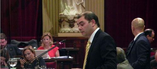 El PSIB critica la ausencia de Bauzá en el Pleno del Parlament