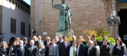 Las instituciones conmemoran la marcha de Fray Juníper Serra