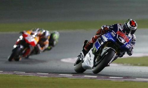 Lorenzo y Salom, 'poles' en MotoGP y Moto3