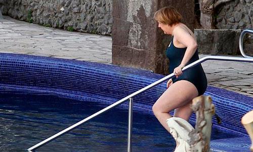 Merkel, Semana Santa en bañador