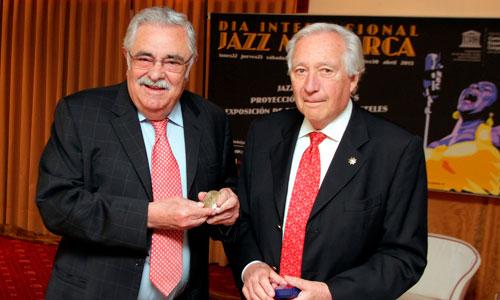 Pedro Serra recibe la medalla de la UNESCO