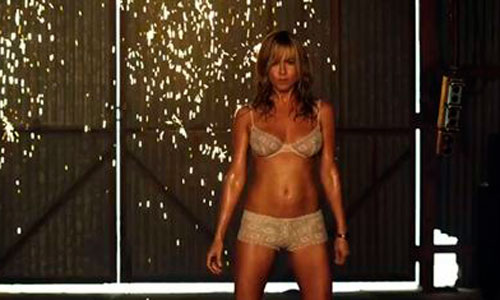 Jennifer Aniston se desnuda