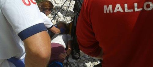 Rescatada en helicóptero una joven escaladora en Cala Magraner