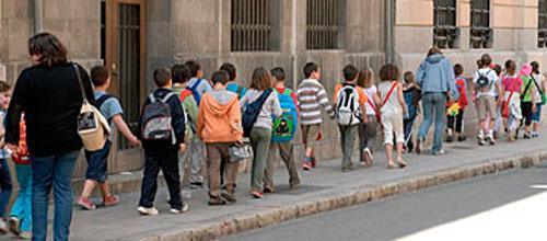 Siete de cada diez alumnos eligen el catalán como primera lengua