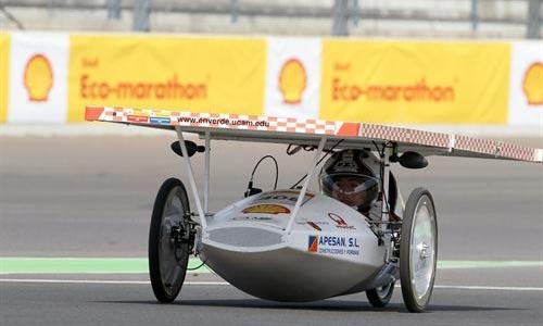 Un coche ecológico recorre 3.000 kilómetros con 1 litro de gasolina