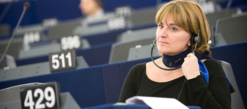 La UE aprueba garantizar la protecci�n civil a v�ctimas de violencia de g�nero