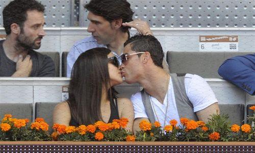 Irina Shayk y Cristiano Ronaldo, en el Open de Madrid muy enamorados
