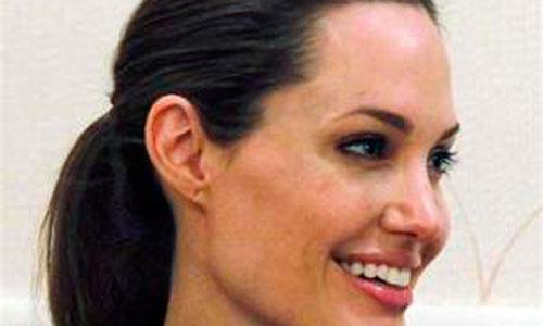La próxima operación de Angelina Jolie será de ovarios