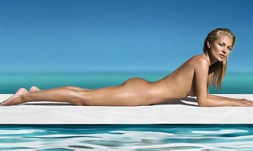 Kate Moss se desnuda para St. Tropez