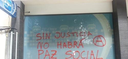 La fachada del PP de Inca amanece con pintadas vandálicas