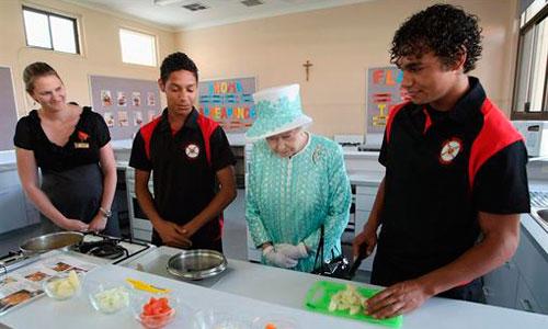 La reina Isabel II busca cocinero por 27.000 euros anuales