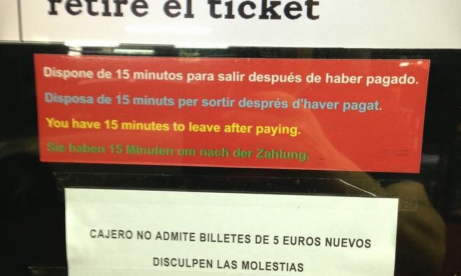 Pagar con 5 euros, siguen los problemas