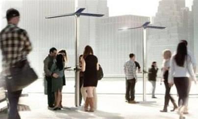 Nueva York instala puntos de recarga solar gratuitas para móviles