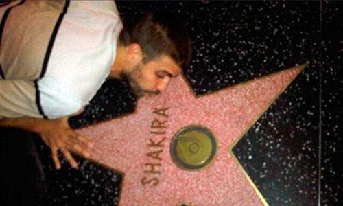 Piqué, en Los Ángeles para visitar a Shakira y Milan
