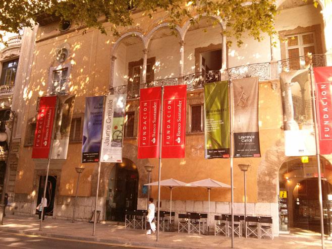 Més carga contra la publicidad agresiva de los comercios en Palma