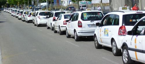 Condenado un taxista que se quedó dormido y borracho al volante
