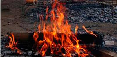El incendio empezó por una barbacoa