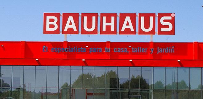 PIMECO y AFEDECO denuncian a Bauhaus por abrir los domingos
