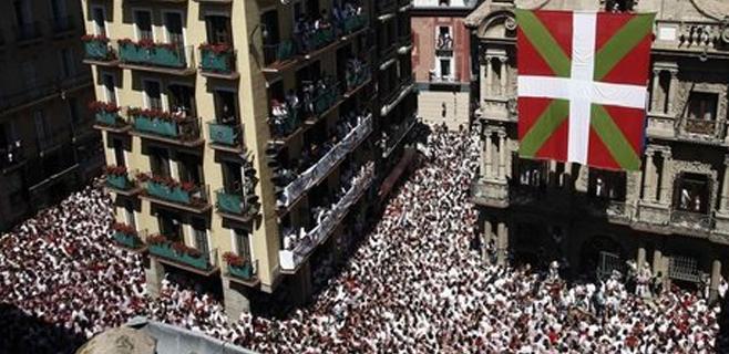 Los sanfermines se retrasan por una bandera ikurriña