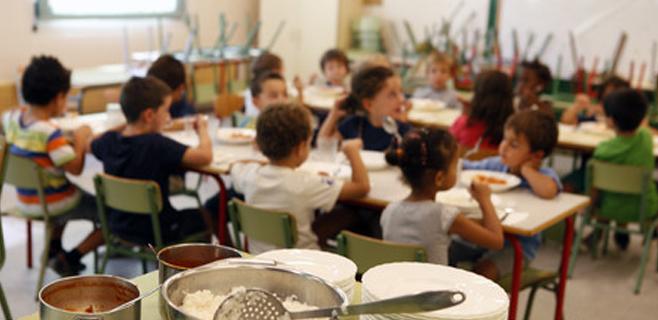 Cort destina 36.450 € a becas urgentes de comedor para 98 menores