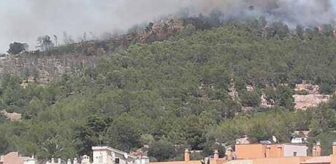 Aumentan los núcleos habitados afectados por el incendio