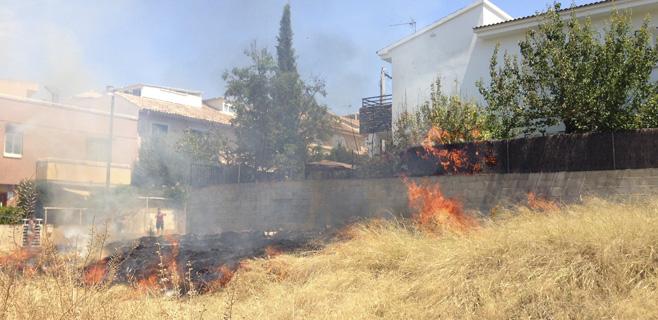 Incendio en un solar de Palma