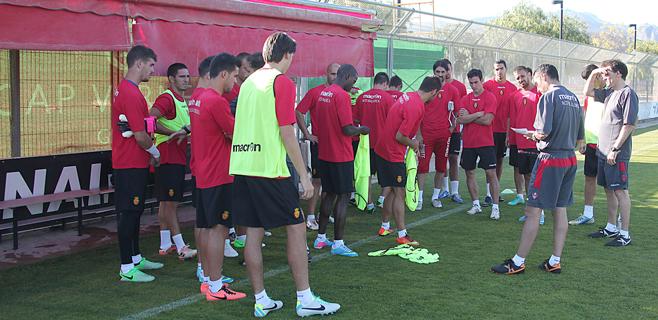 El Mallorca parte hacia Holanda para su stage de verano