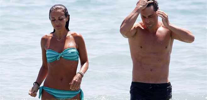 Bustamante y Echevarría presumen de cuerpazo en Ibiza