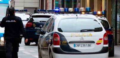 Cinco detenidos iban a desalojar de su casa a una mujer por una falsa deuda